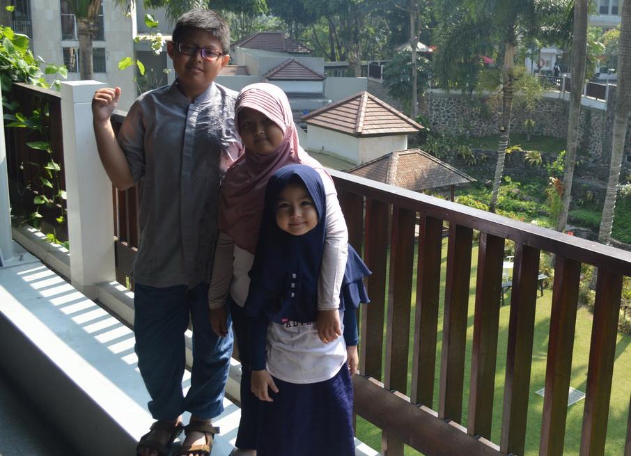 Anak-anak saya dalam satu kesempatan berlibur di Bogor